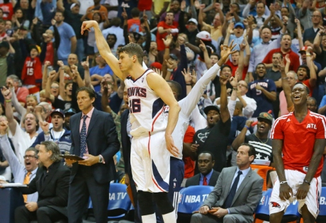 Kyle Korver and the Hawks are starting to get Atlanta sports fans excited. (Curtis Compton)